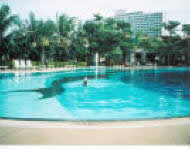 Condo-rent-view-talay-2-Jomtien-Pattaya-me-in-swimming-pool